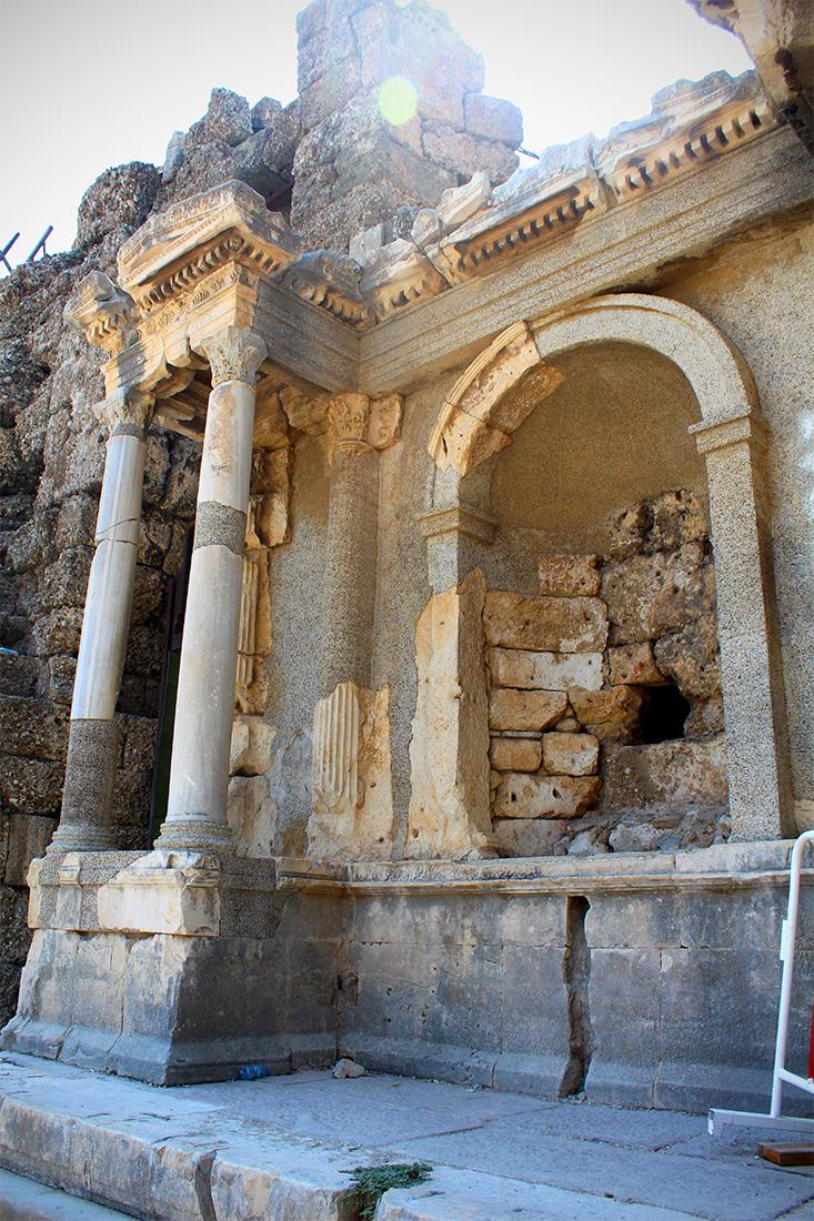Vespasianus Anıtı