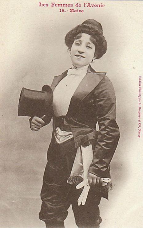 Belediye Başkanı: Susanna Medora Salter, 1887'de henüz 27 yaşındayken Kansas eyaletinin Argonia kenti Belediye Başkanlığı'na seçildi. İlk Türk Kadın Belediye Başkanı ise 1930'da seçilen Sadiye Hanım'dır.