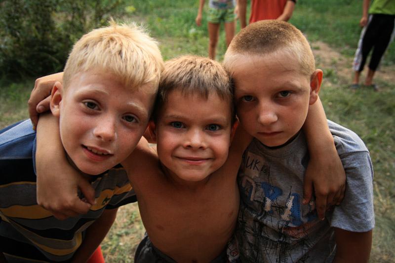 Öksüz ve yetim çocuklarınhamisi, tartışmalıve dişli bir papaz ile tanışın 5