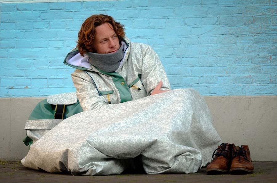 Festival alanında terk edilen çadırlar evsizlere umut oluyor 3