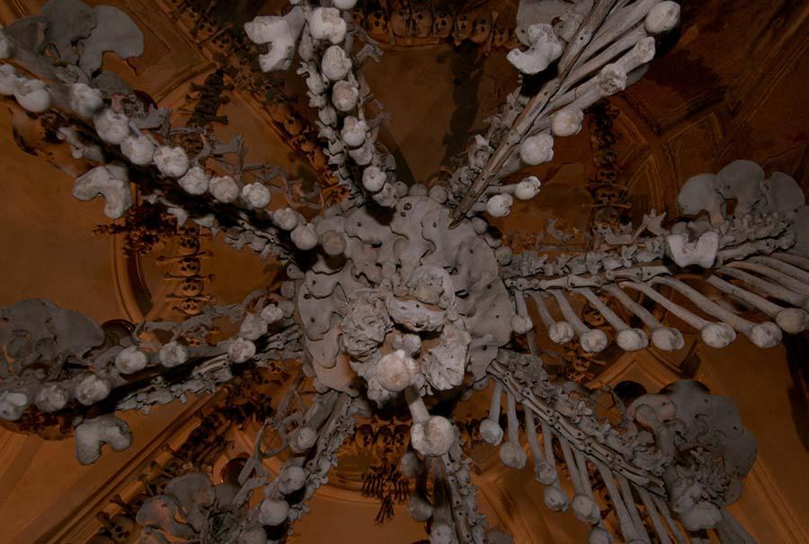 Kafatasları ve kemiklerle yeniden düzenlenen yeraltı mezarları 6