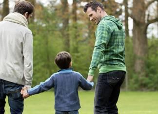 Portekiz'de eşcinsel çiftlerin evlat edinme hakkı sağlandı