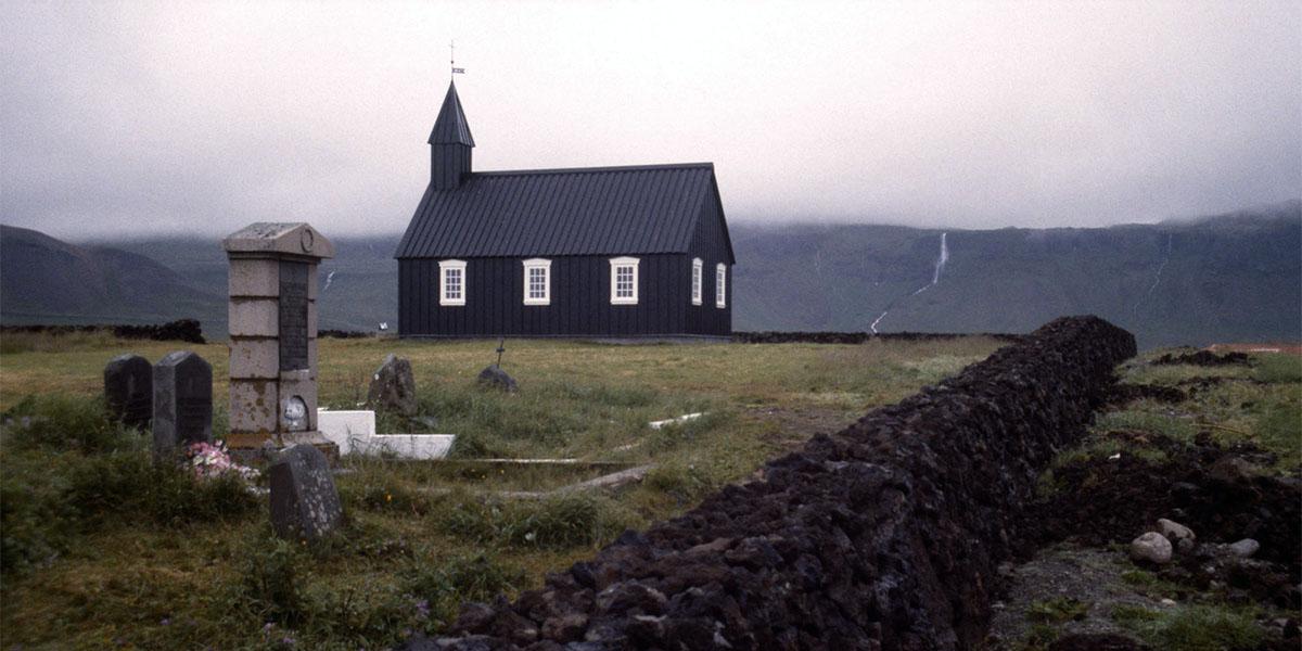 İzlanda'da protesto büyüyor: Vatandaşlar Sümer dinine geçiyor