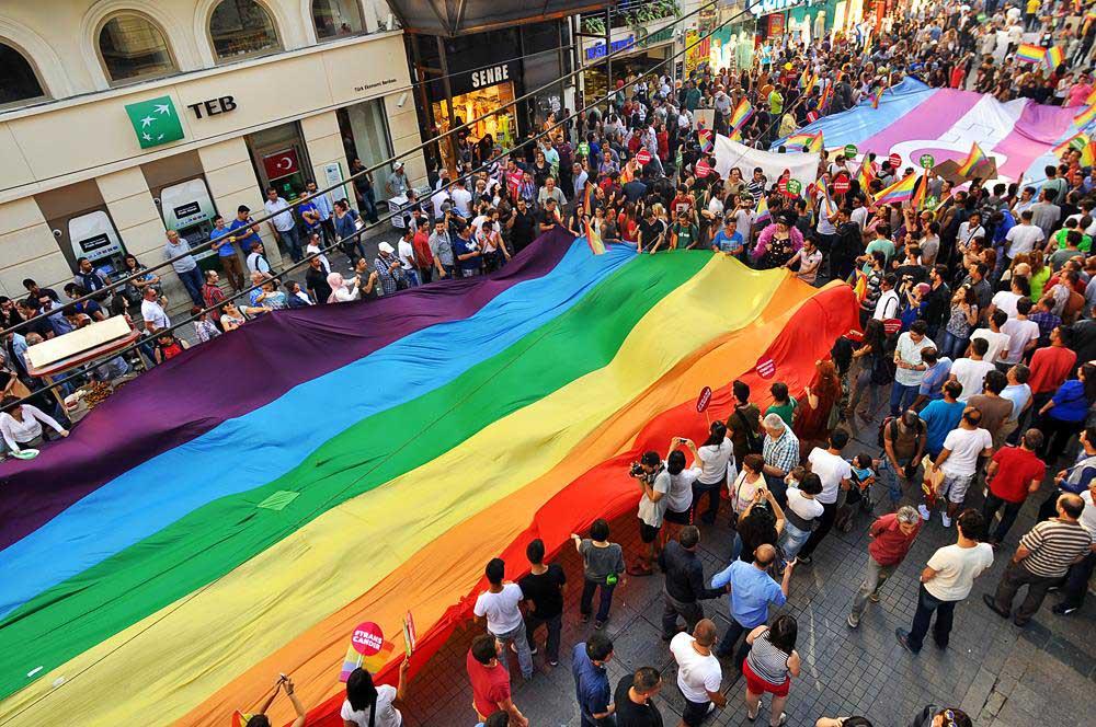 12. İstanbul Onur Yürüyüşü