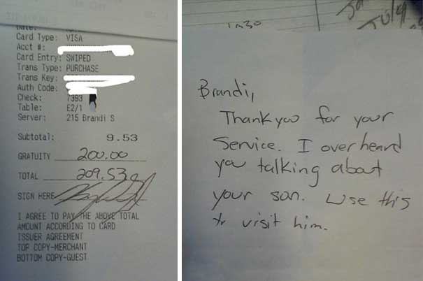 #28 Oğlunu özlediğini konuşmalarına kulak misafiri olduğu sırada öğrenen garsona 200 dolar bahşiş bırakan bu müşteri
