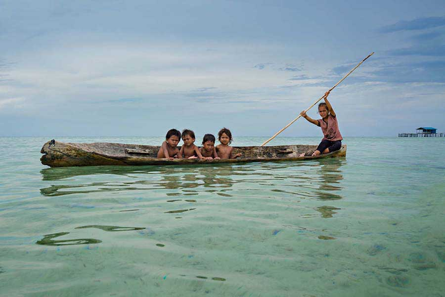 Borneo'daki deniz çingeneleri 14