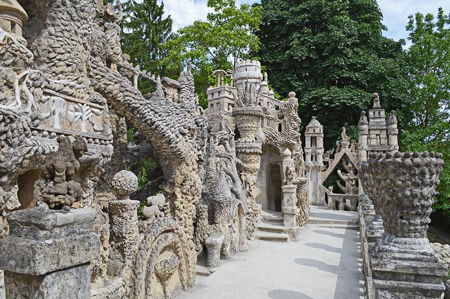 Fransiz postaci palais ideal sarayi 9