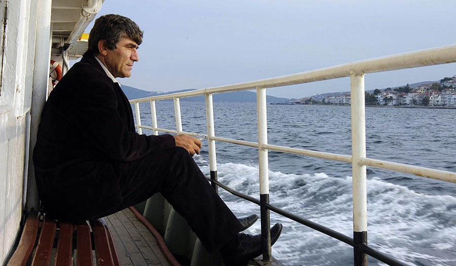 Hrant Dink İstanbul vapurunda.