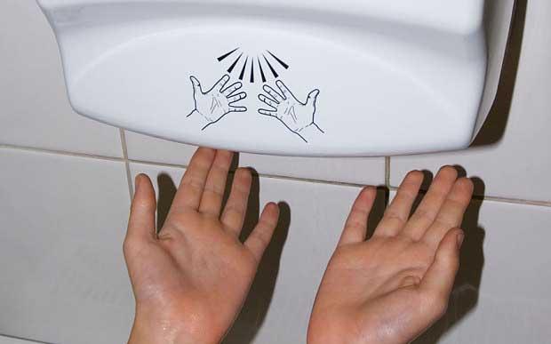 Kağıt havlular mı Elektrikli el kurutma makineleri mi (1)