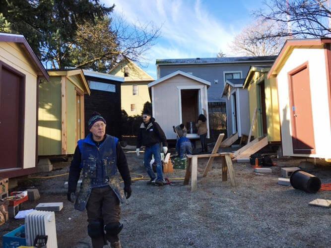 Minik ev koyu Seattle'daki evsizlere kapilarini acıyor 10