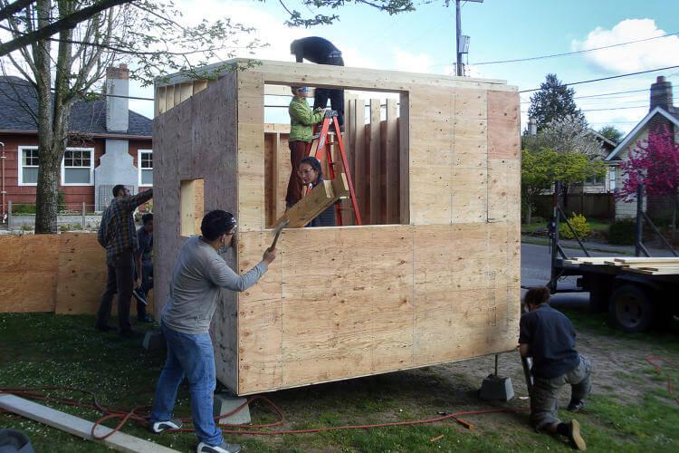 Minik ev koyu Seattle'daki evsizlere kapilarini acıyor 7 (2)