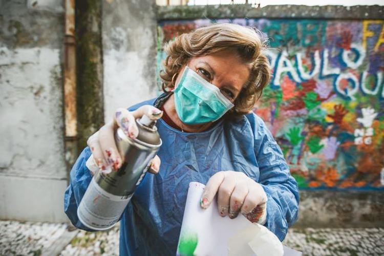 Grafitici babaanne ceteleri portekiz sokaklarinda 5
