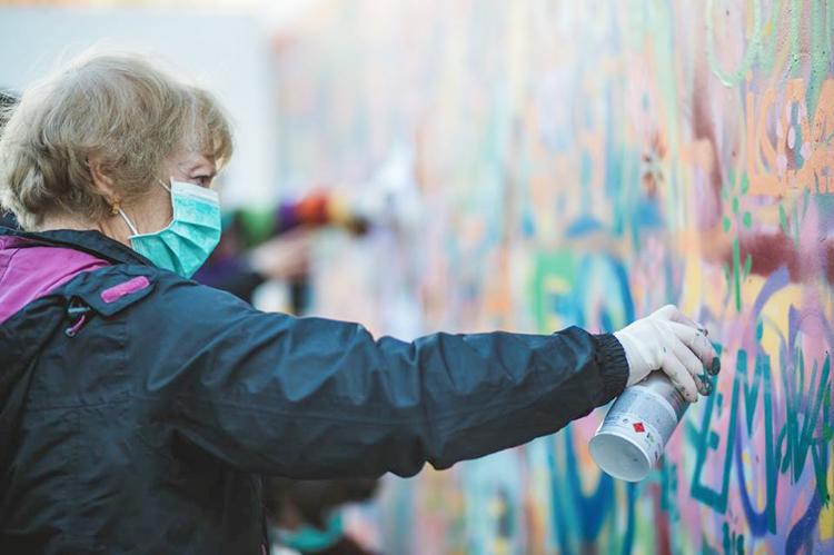 Grafitici babaanne ceteleri portekiz sokaklarinda 6
