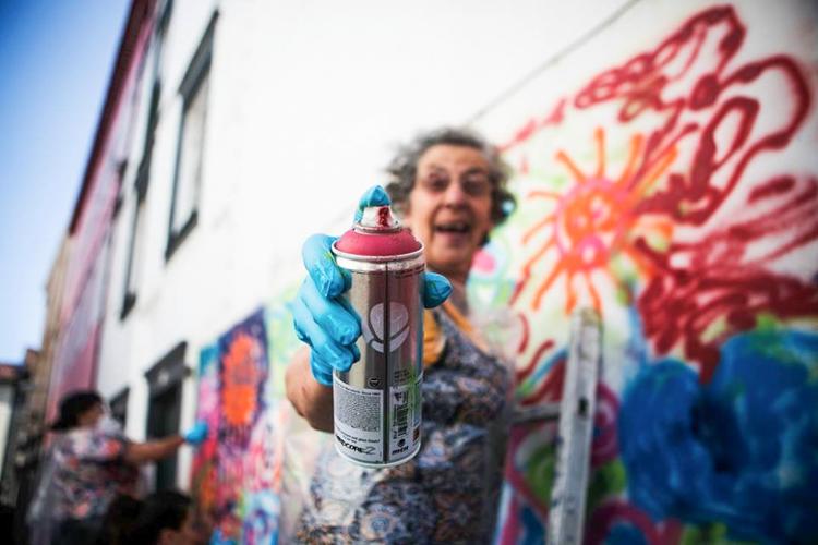 Grafitici babaanne ceteleri portekiz sokaklarinda 9