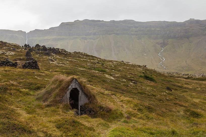 Iceland-Búðahraun-Vesturland-iceland