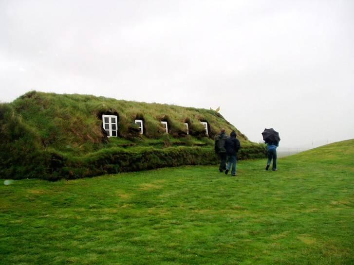 Iceland-Glaumbaer-turf