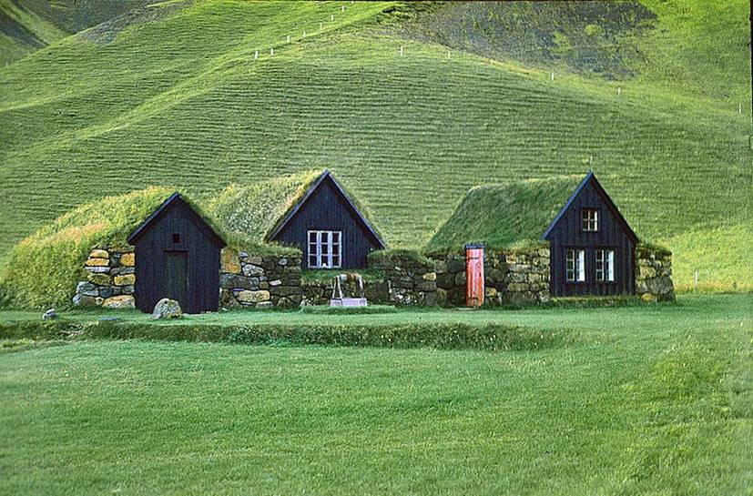 Iceland-Grassodenhäuser-turf