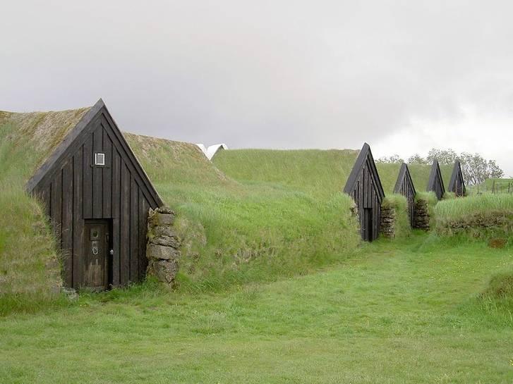 Iceland-Keldur-turf-house