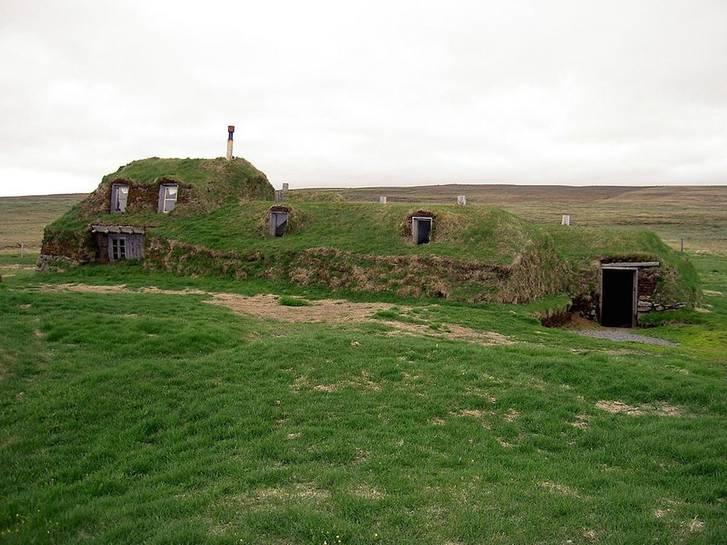 Iceland-Saenautasel-turf-house