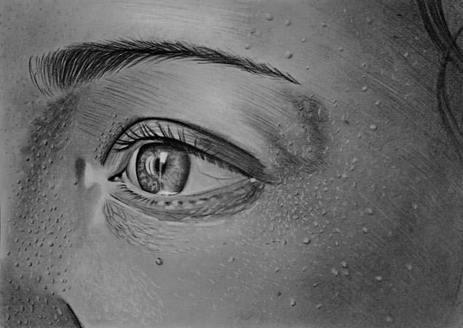 Kolsuz doğdum ama yine de realist resimler yapma hayalimi gerçekleştiriyorum