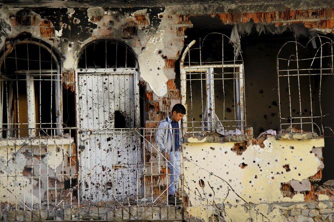 Güvenlik güçlerinin askeri operasyonları sonrasında Silvan'da bir ev. Sertaç Kayar / Reuters