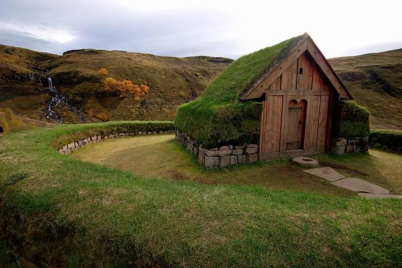 iceland-turf-house
