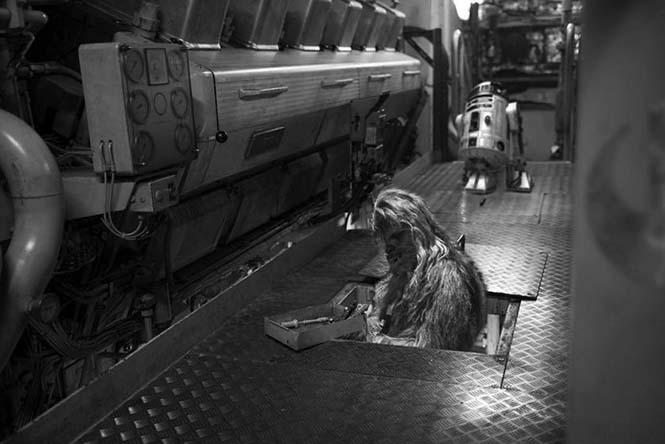 Mann'ın fotoğraf albümünden bir sahne Chewbacca ve R2D2.
