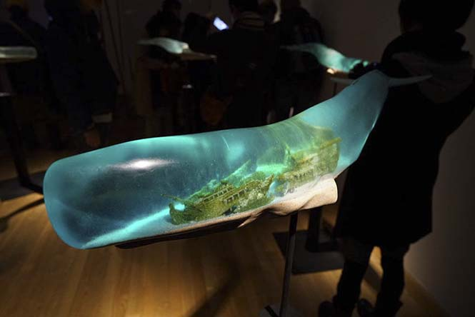 translucent-whale-sculptures-samsara-isana-yamada-4