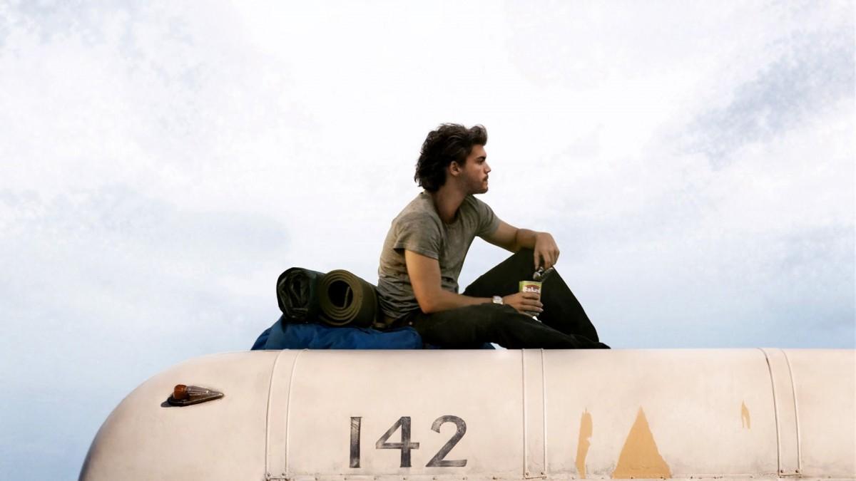 Into the Wild  Dünyayı görmeye sizi ikna edecek 5 yolculuk filmi 1