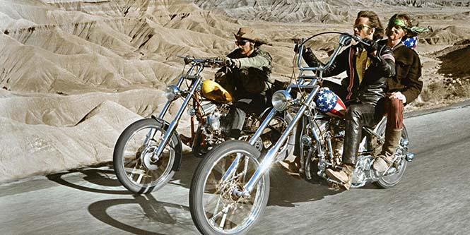 Easy Rider  Dünyayı görmeye sizi ikna edecek 5 yolculuk filmi Easy Rider