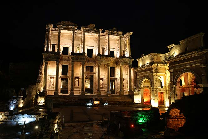 Efes Antik Kenti/ Bülent Tavlı