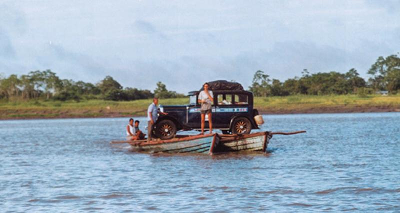 Bu resim derme çatma salla Amazon'a meydan okurken çekilmiştir. Photo By: Zapp Family/Barcroft Media