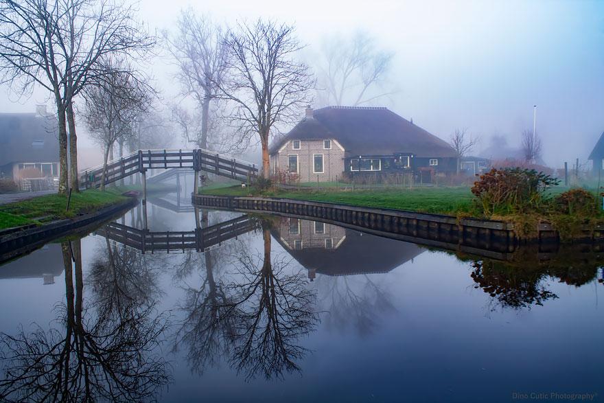 """Image credits: Dino Cutic  Masalsı bir kitaptan fırlamış köy """"Giethoorn"""" 4 1 1"""