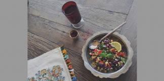 Maş fasülyeli buğday salatası