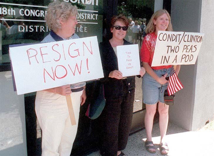 Gary Condit  Dünyanın unutmayacağı 32 siyasi skandal Gary Condit