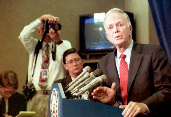 Robert Packwood  Dünyanın unutmayacağı 32 siyasi skandal Robert Packwood