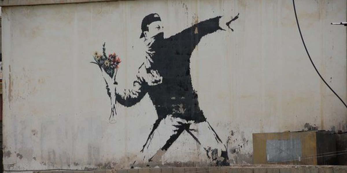 Bilim insanları araştırmalarının ünlü graffiti sanatçısı Banksy'nin gerçek kimliğini ortaya çıkardığını iddia ediyor