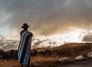 Fransız fotoğrafçının objektifinden hippilerin ve göçebelerin özgürlükleri