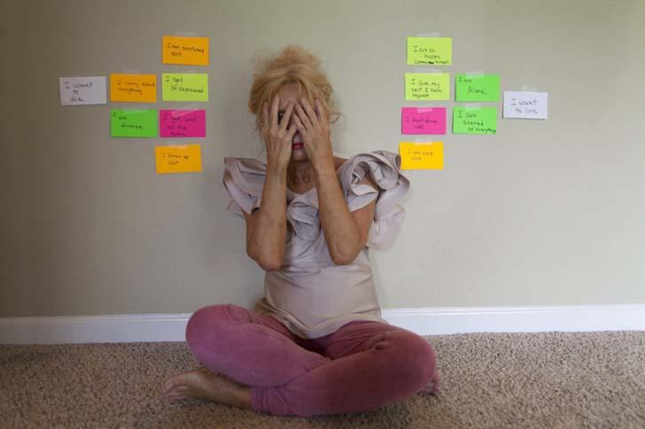 bipolar-anne-2  Yedi yıl boyunca annesinin bipolar rahatsızlığını fotoğrafladı bipolar anne 2