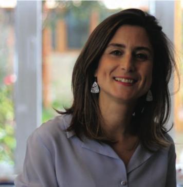 Yrd Doç. Dr Zeynep Çatay, Dans ve Hareket Terapisi