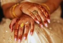 """Hindistan'da üç kez """"boş ol"""" diyerek boşanma yasaklandı"""