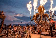 """Dünyanın en çılgın festivali """"Burning Man""""den sıra dışı fotoğraflar"""